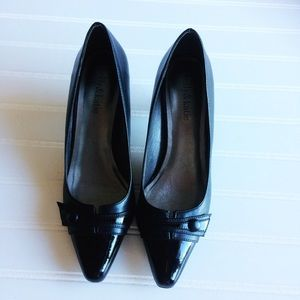Kelly and Katie Black Pumps.