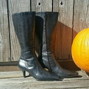 Kelly & Katie Heeled Leather Boots 8