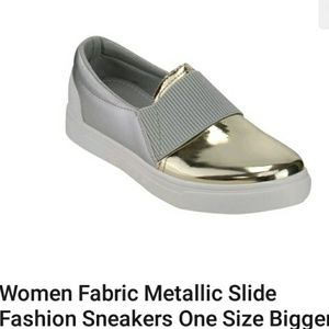 Metallic slides campaign color. Cool sneakers