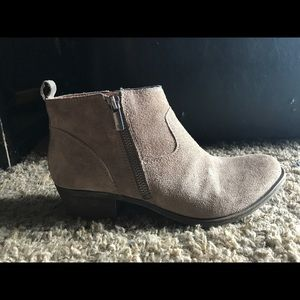 Lucky Brand Shoes - Suede Lucky brand booties!