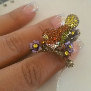 Jewelry - Stunning bird ring