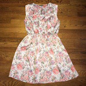 Tinley road Floral Sleeveless pull on dress Medium