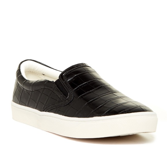 d74d5fb40aa15 Sam Edelman  Marvin Slip-On Sneakers. M 59cd809d7f0a050ce900eb5e