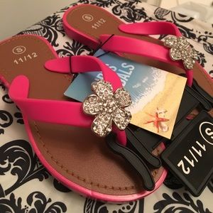 Other - HP🎉🌺 Girls flip flop Sandals with crystal flower