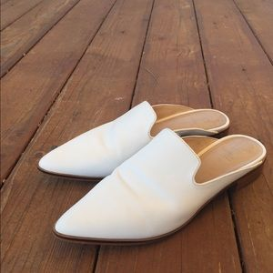 Shellys London white point toe mule