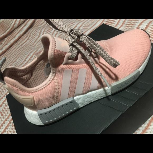 le adidas nmd r1 poshmark rosa