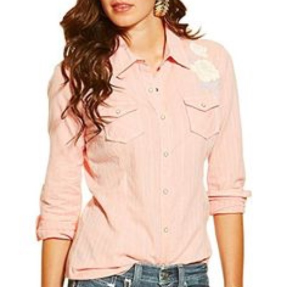 2b57d673593 NEW Ariat women s fitted Medium snap shirt COWGIRL