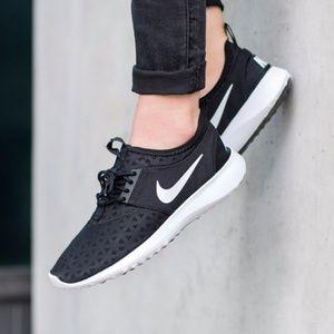 new arrivals 12b5a 26345 Nike Shoes - New NIKE Juvenate Black White Women s Shoe