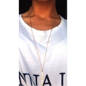 Jewelry - Gold bar necklace