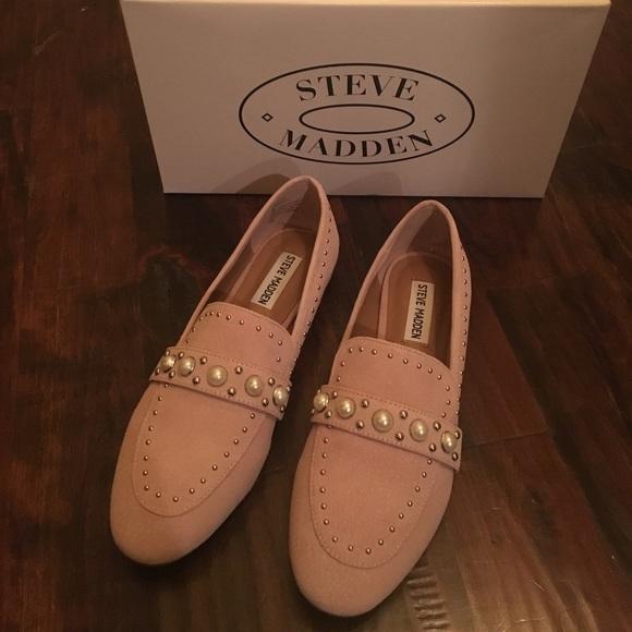 Steve Madden Shoes - Steve Madden blush sued fashion flat!