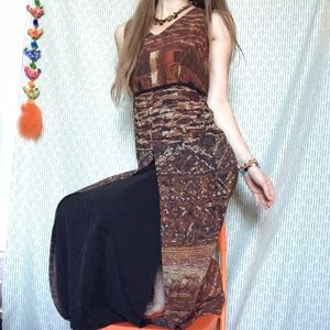 Vintage Lady's Mountain Goddess Lounge Maxi