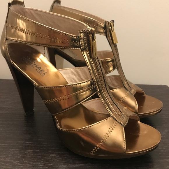 a61a04190d58d Michael Kors Gold Zipper Heels. M 59cdbc596a583057e502380f