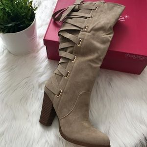 Women's Taupe Knee High Boots Size 8 💝