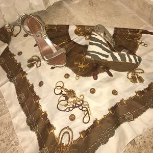 Band new lauren silver/gold Zinfandel wedge&scarf