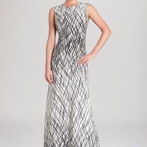BCBG MAXAZRIA CHLOEY Sleeveless printed gown Sz 0