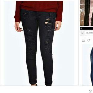 Boohoo distressed black skinny jeans Size 14/16