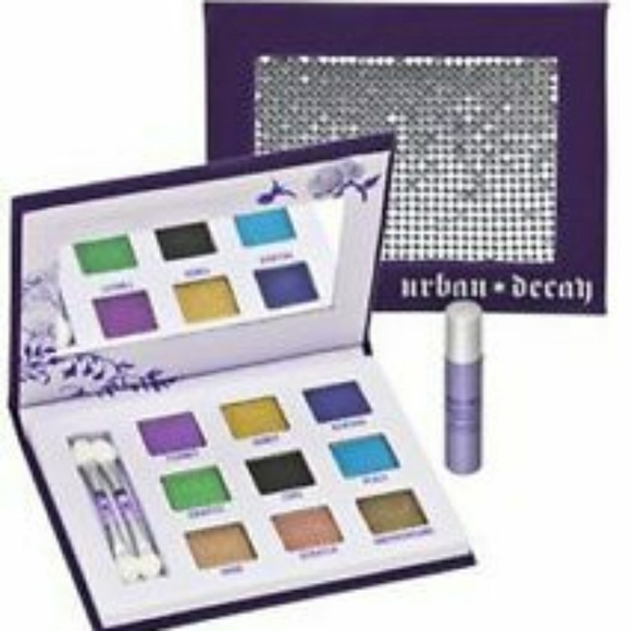 Urban Decay Other - 💜Urban Decay Sadow Box w/ Box + Primer!!