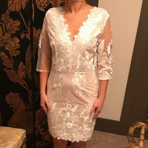 Dresses & Skirts - Bridal timeless lace dress