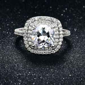 18K white gold Pave Halo ring