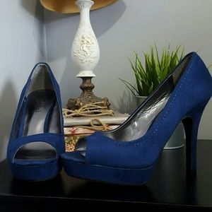 Shoes - Candie's 7.5