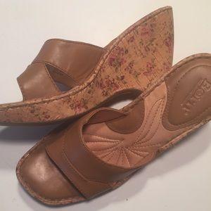 "NWOB 👡Born ""Saria"" Slide On Leather Wedge"