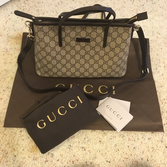 c107722d783 Gucci Handbags - Gucci tote with zipper   crossbody