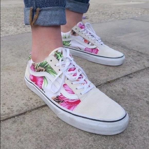 b37fb6425b NIB Vans old skool Hawaiian floral skate shoes