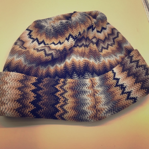 2f66e068b70 Missoni wool hat zig zag design perfect for fall