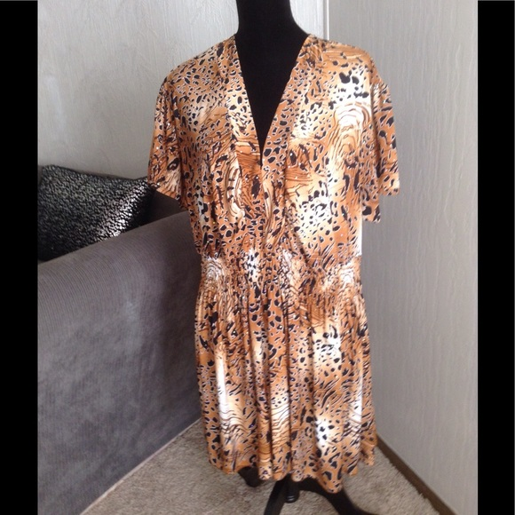 "Gold Flava Tops - ""Bling"" Animal Print Tunic.           NWOT"