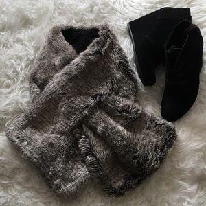 Stella & Dot Reversible Faux Fur Scarf