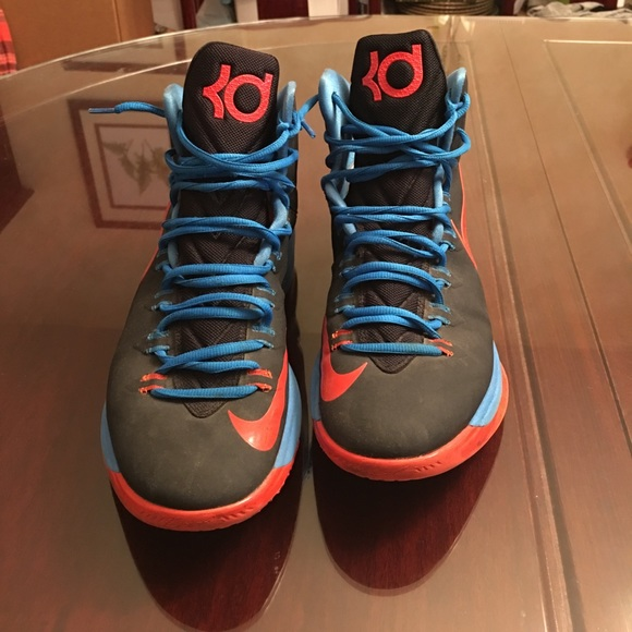 wholesale dealer e58a5 9c6c6 Nike Zoom KD V 5 OKC Thunder Colorway Size 10.5. M 59ce983af0928228cc019b96