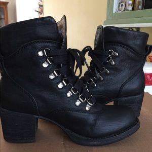 Frye Sabrina hikers lace up boots
