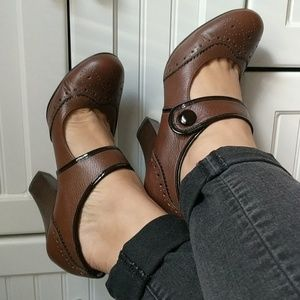 Sofft leather heels