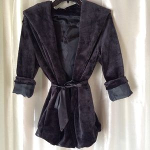 Jackets & Blazers - NWT BLACK PLUSH HOODED COVER UP WITH SIDE POCKETS