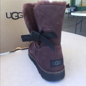 a7812968013 Classic Knot Short length Uggs. Cocoa Brown.