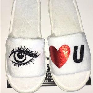 Shoes - Women's 👁❤️U Slippers