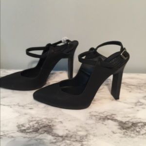 Sophia & Lee Black leather Heels with ankle strap