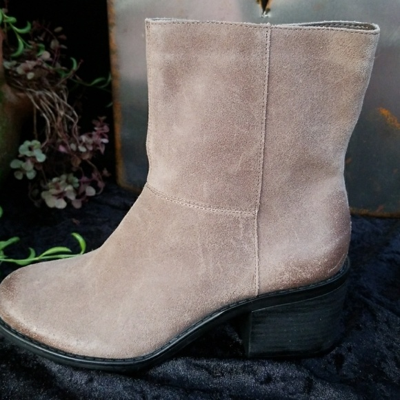 e204ec33e Easy Spirit Shoes | Sale Ilsa Suede Ankle Boot | Poshmark