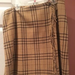 Sag Harbor Petite tan wool wrap skirt size 12