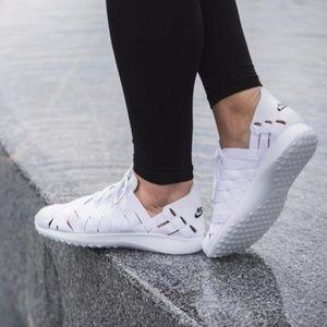 New NIKE Juvenate Woven Women's Shoes
