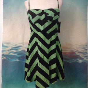 Dresses & Skirts - 3 for $10~Green Chevron Dress 1PE