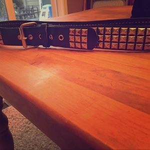 Accessories - Studded belt