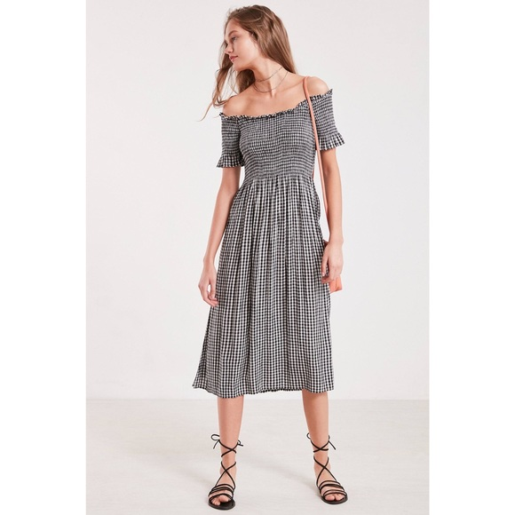a1943c54d60a Kimchi Blue Dresses   Skirts - UO Picnic Gingham Midi