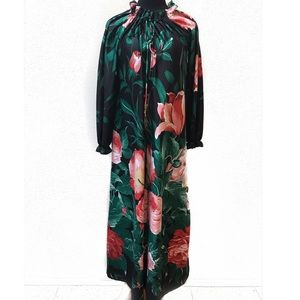 Vintage roses house coat