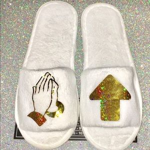 Shoes - Gold PRAYED UP Women's Slippers