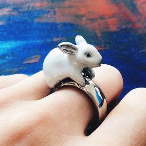 Jewelry - Silver tone bunny rabbit ring