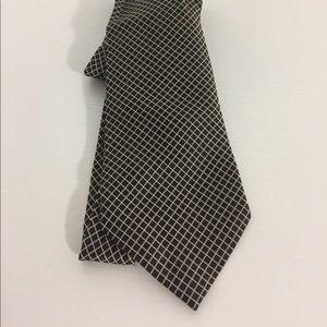 Barneys New York Tie 100% Silk Hand Made in Italy