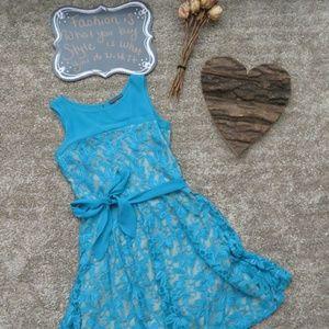 🔺2/$30 EUC Covington Knee Length Dress