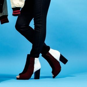 OPENING CEREMONY Shearling Elise Open Toe Boots 9