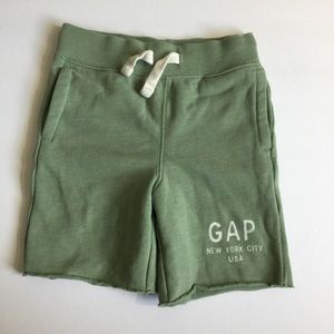 GAP soft jersey green shorts 2T